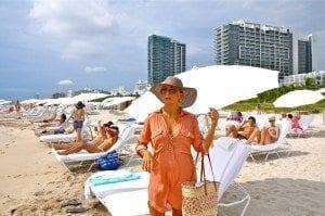 paola minaccioni Miami Beach