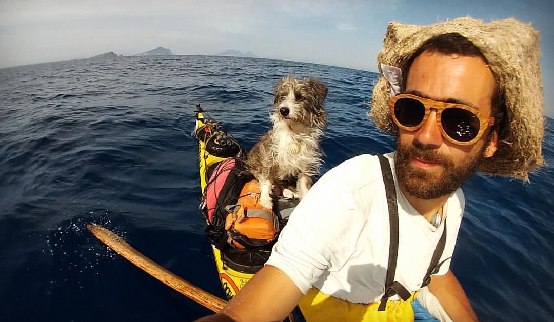 sergi basoli e cane nirvana in kayak