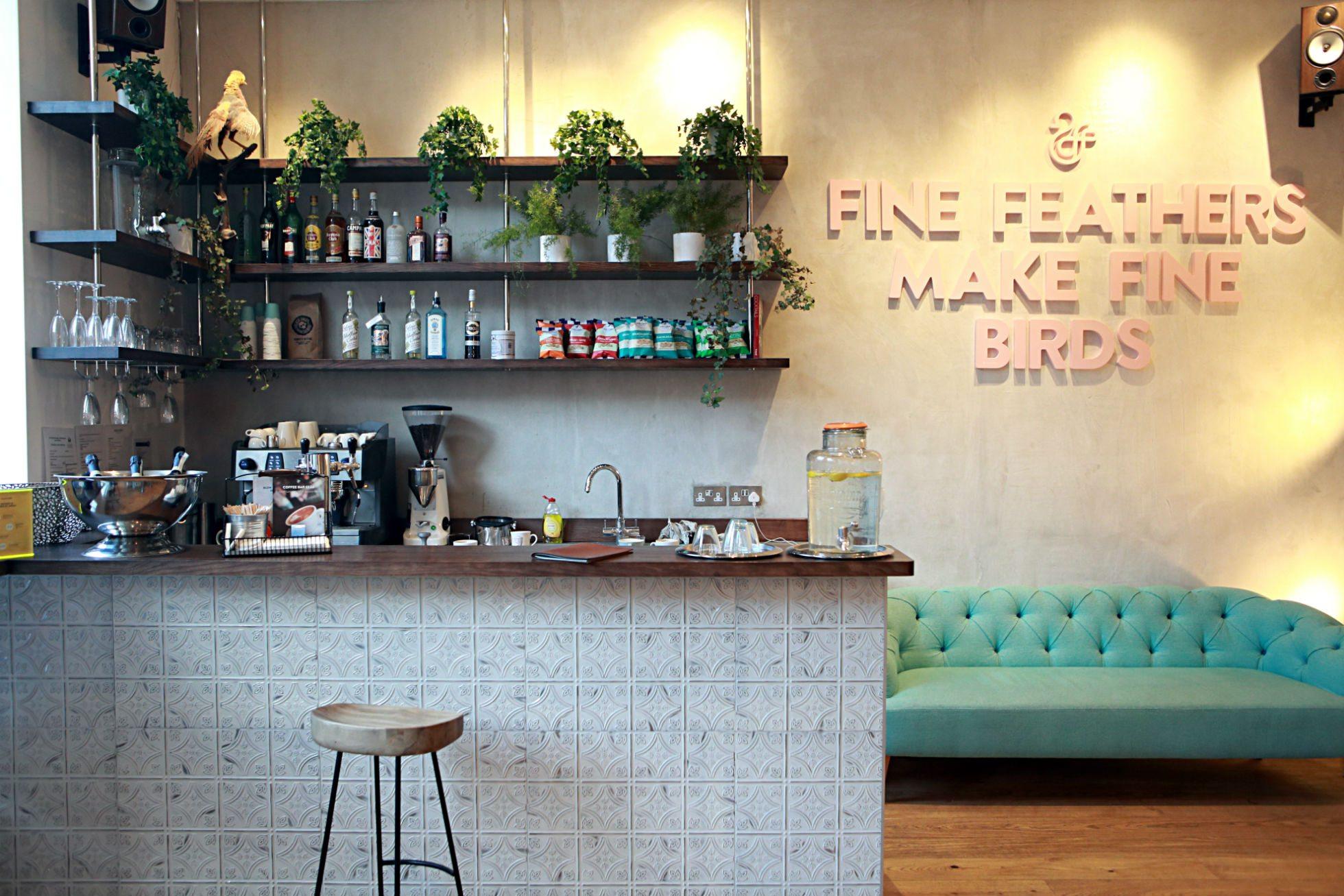 Idee Per Interni Bar : Angolo bar in casa ikea con mobile bar per casa mobile angolo bar