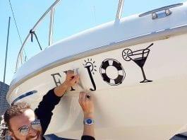 barca turisti