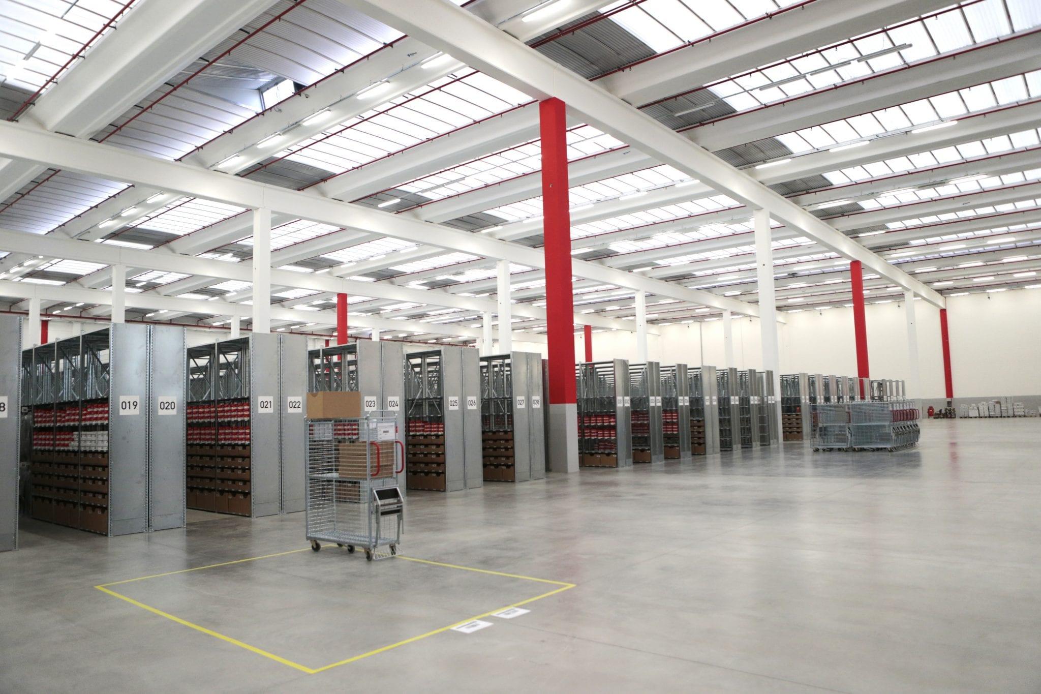 info for f3c13 250ef Zalando apre un centro di distribuzione in Veneto e assume ...