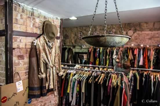 Kilo shop si inventano un negozio che vende abiti a chilo for Arredamento negozi palermo